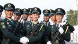直击2019大阅兵,中国军视网记者带您看现场。万众瞩目的阅兵仪式还有几个小时就开始了,这是阅兵各个方队正在准备的画面。