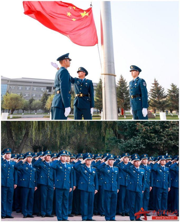004-空军航空大学某团官兵,他们步伐整齐,口令响亮,在启航广场隆重举行了升国旗仪式。