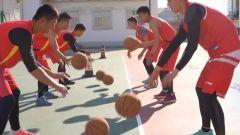 空軍五項比賽為何包含擊劍和籃球項目