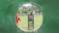 """警犬""""飛羽""""養成記:面對戰場歷經磨難 練就一身搜救絕技"""