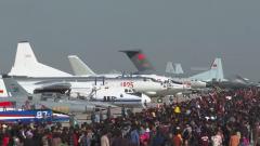 慶祝人民空軍成立70周年: 空軍航空開放活動開幕 多型主戰裝備集中亮相