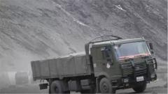 路面凹凸不平危機重重 車隊能否順利通過新藏線上凍土路段