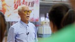 """88歲抗戰老兵如何成為年輕人眼中的""""男神"""""""