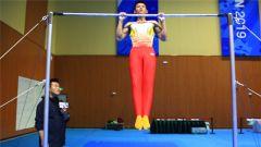 """体测过关之独家秘籍!军运会体操教练亲自教你""""引体向上""""""""曲臂悬垂"""""""