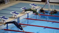 揭秘!海军五项游泳救生项目为什么要在水下脱衣服