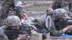 陆军第77集团军:寒风冷雨 新战士打响军旅生涯第一枪