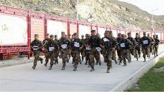 新疆軍區某邊防團從嚴從難組織年終軍事訓練考核