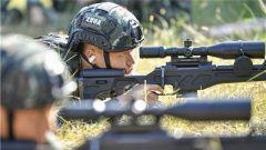 上膛,瞄準,擊發!武警重慶總隊組織特戰隊員開展多科目實彈射擊訓練