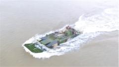 陆军:海上生死救援 成功抢修两栖战车