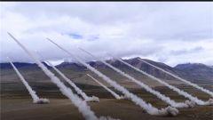 西藏:陆空联合实弹演习 锤炼部队体系化作战能力
