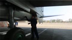 【庆祝人民空军成立70周年 】记者探访空军航空兵某旅飞行训练场