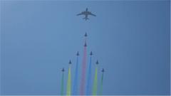 空军发布宣传片《我爱祖国的蓝天》