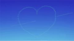 丘比特之箭綻放藍天 紅鷹飛行表演隊最為經典的動作來了