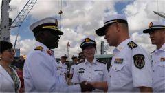 中国海军潍坊舰技术停靠坦桑尼亚