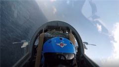 海军航空兵某旅组织低气象大强度实弹打靶训练