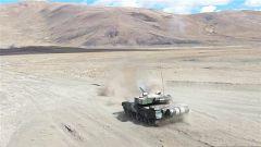 西藏:高海拔 多弹种实弹射击又双叒叕来了