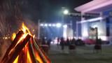 """今天(11月16日),中國軍視網記者帶你打卡東盟防長擴大會""""反恐聯演—2019""""期間的篝火晚會。晚會期間,中方為外方官兵準備了歌舞表演、互動小游戲,還有中國特色美食,獲得了外方官兵的一致好評。"""