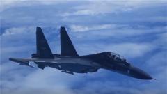 空军发布轰-6K战机影像志 首次公布轰-6K空中驱离外机干扰