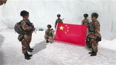 海拔6000米 巡邏在雪山冰峰