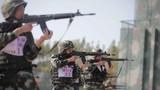 自動步槍對隱顯目標射擊。