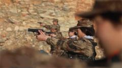 在一聲聲槍響中練就必殺絕技 三個女兵練狙擊 成功晉級淘汰賽