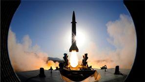 """震撼!来看火箭军某旅""""导弹发射先锋营""""的光与影"""