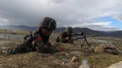 海拔4500米 特战队员多目标精准射击