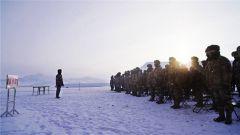 新疆塔城军分区某团开展手雷实投训练