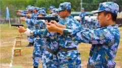 南部战区海军航空兵某场站开展轻武器实弹射击训练