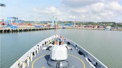 中國海軍第33批護航編隊濰坊艦技術停靠肯尼亞蒙巴薩港