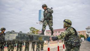 广西北海:武警官兵开展冬季大练兵活动