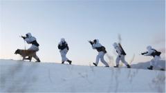 【聚焦实战化演兵场】零下30℃ 边防官兵巡逻途中应急演练