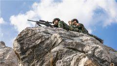 冬日晴空 特戰隊員斷崖邊打響反恐捕殲戰