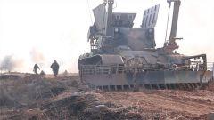 战车轰鸣 决胜疆场 陆军第82集团军某旅合成营开展工程要素演练