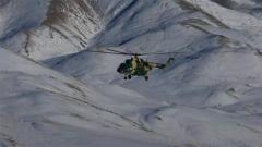 【聚焦实战化演兵场】生命禁区 直升机顶风冒雪巡航高原边陲