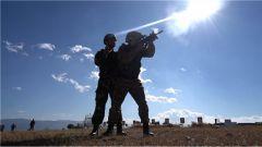 负重30斤每天训练16个小时 武警云南总队从严从难砺精兵