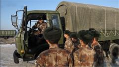 """贊! """"車神""""馬嘉樂回到部隊將父親的駕車技術教給戰友"""
