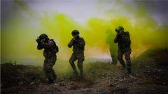 大漠戈壁淬利劍 極限訓練鑄精兵