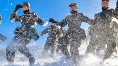 穿林海 跨雪原 新戰士戰風斗雪鑄軍魂