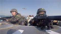 现场太震撼!驻香港部队三军联合演练画面曝光