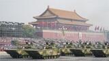 在慶祝中華人民共和國成立70周年閱兵式上。海軍陸戰隊官兵駕駛兩棲突擊戰車,威武莊嚴的駛過天安門,光榮接受檢閱!