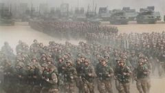 解放軍報評論員文章:緊盯強敵對手 大抓軍事訓練