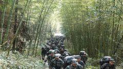 彭州:民兵野外拉練戰味濃