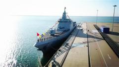 海军055型驱逐舰首舰南昌舰入列