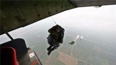 【新春走基层·记者在战位】空降兵某旅:千余新兵首次大飞机跳伞