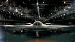 """隐形轰炸机、海上无人车 美国武器""""奔向""""隐身无人时代"""