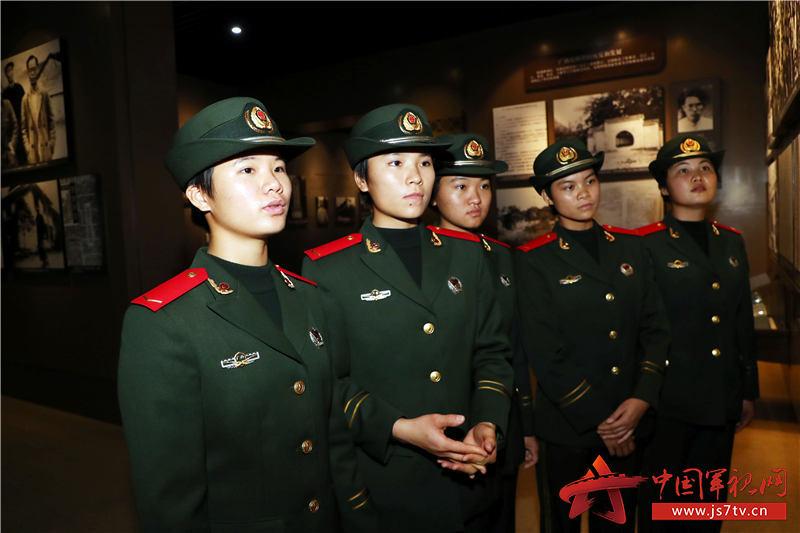 8、2020年1月10日,新兵們在參觀廣西革命紀念館 。