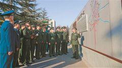 """""""百米战墙""""成为战例教学开放长廊"""