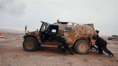 推5.7噸重的勇士車全程上坡 看特戰隊員突破體能極限勇闖烽火之路