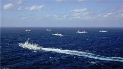 中國海軍第三十三批、 三十四批護航編隊順利會合并開展共同護航演練